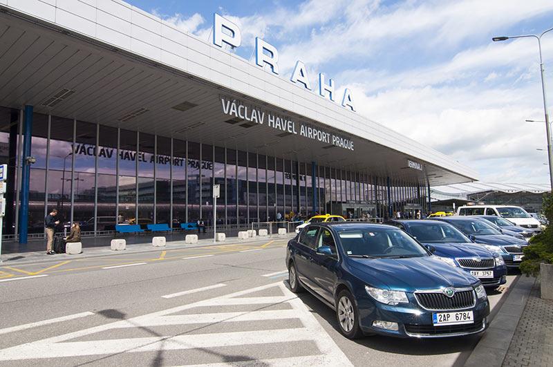 Трансфер из аэропорта Праги