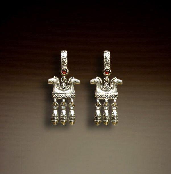 Серьги Коники малые серебряные