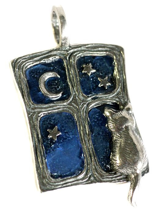 Кулон Кошка на окошке (хвостом) серебряный