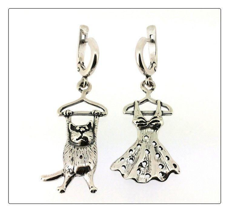 Серьги Кот в гардеробе серебряные